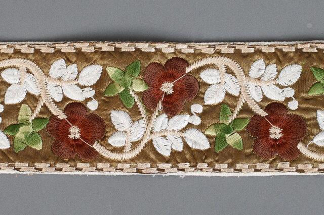 fajín flores medieval mujer